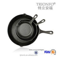 Pre-seasoned single handle iron casting products