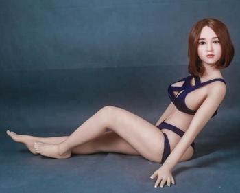 bryunetki-foto-foto-polniy-razmer-seks-s-transami-porno-razvodyat