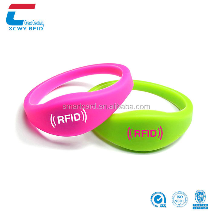 Wholesale QR/Bar Code Printed Waterproof Silicone RFID Wristband