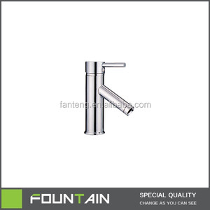 China Brass Basin Deck Mounted Tap Sanitary Ware Modern Bathroom Mixer Tap