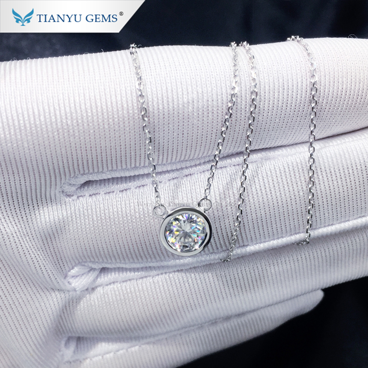 Tianyu customized 14k/18k white gold pendant 6mm round heart&arrow cut colorless moissanite necklace