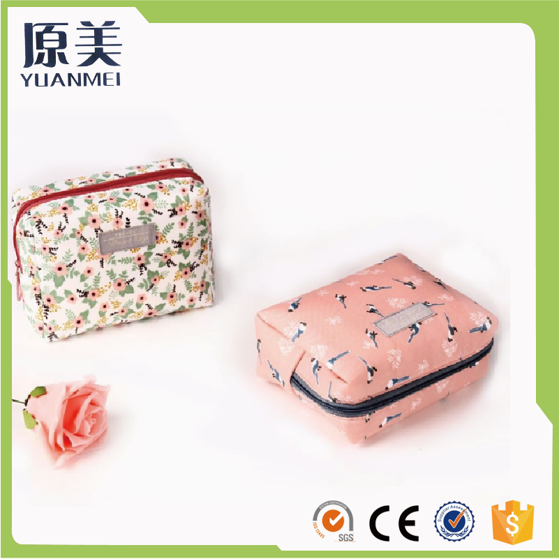 New fashion wholesale canvas cosmetic bag young ladies tote toiletry bag cartoon pattern makeup bag