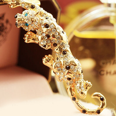 Wholesale 2016 Shining Fashion custom new design The evil Jaguar Crystal Rhinestone Metal Keychain KC12369