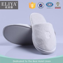 Hotel disposable plush slippers production lin 5 star eva sole,hotel slipper 1 embroideried logo