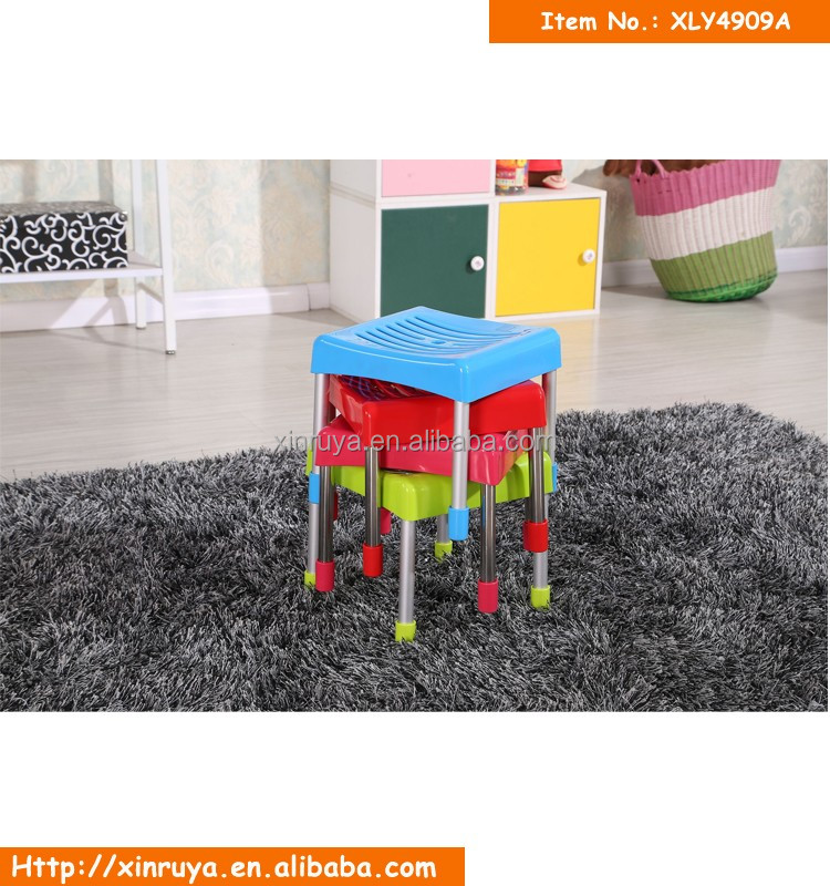 salon meubles en gros petit color empilable plastique tabouret chaises id de produit. Black Bedroom Furniture Sets. Home Design Ideas
