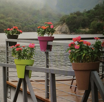 New Product For 2017 Railing Flower Pot Hanging Balcony Pots Planter