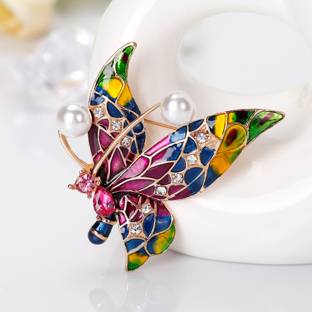Delicate rhinestone pearl brooch butterfly insect pin brooch