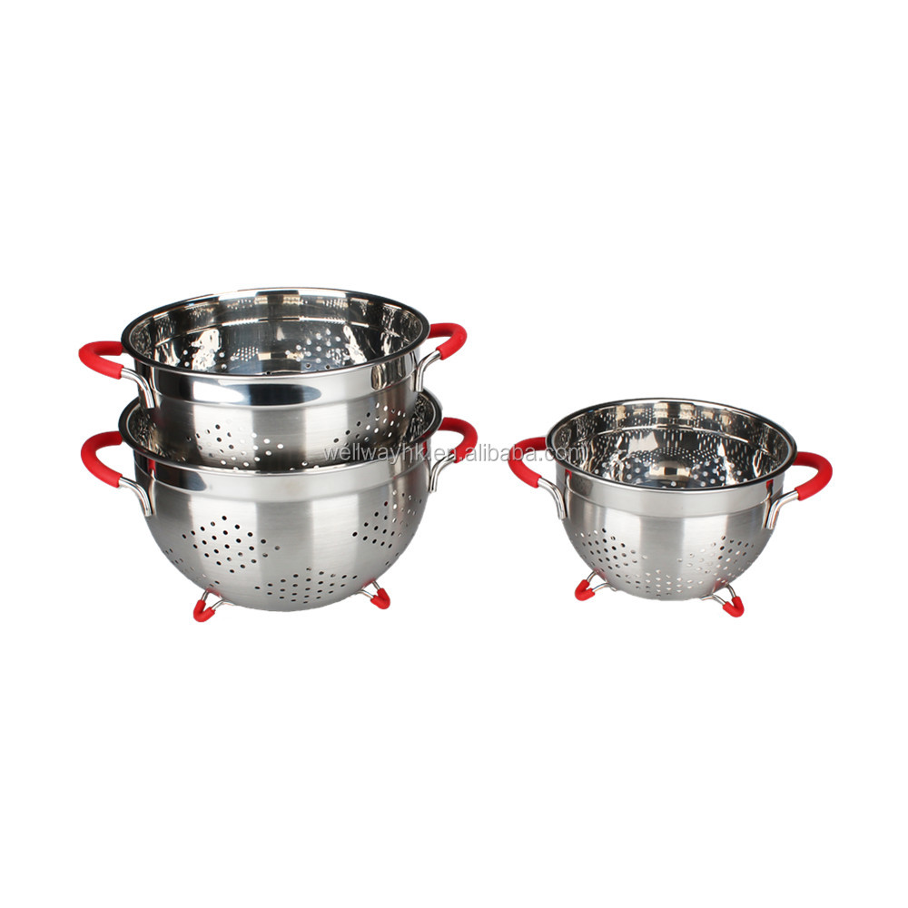 Stainless Steel Colander, 5.5-Quart, Silicone Handles and Feet, Dishwasher Safe