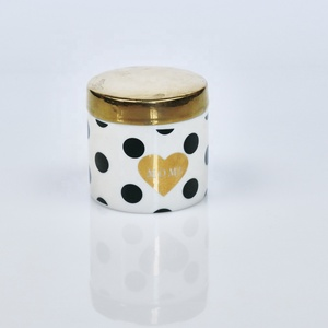 New Design Luxury Handmade Ceramic Container Fragrance Candles for Decoration