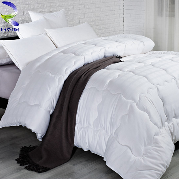 Luxury new queen size comforter