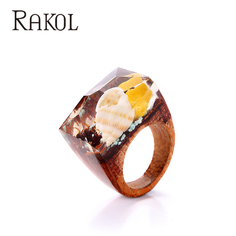 Fantastic Top Sales New Design Real Conch in the Resin Magic Resin Wood Ring