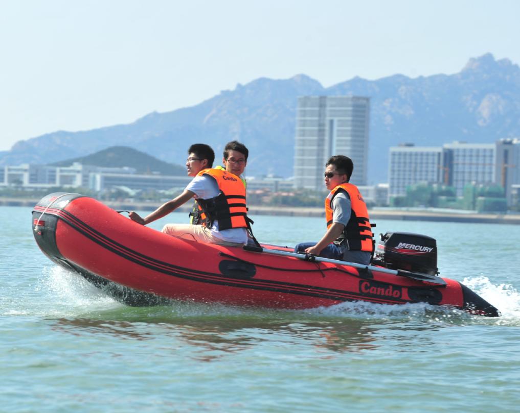 китайские лодки фото кто-то