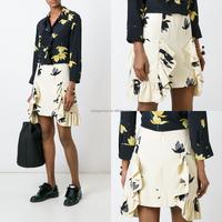 MIKA7031 New Fashion Ladies White Floral Print Ruffled Mini Skirt