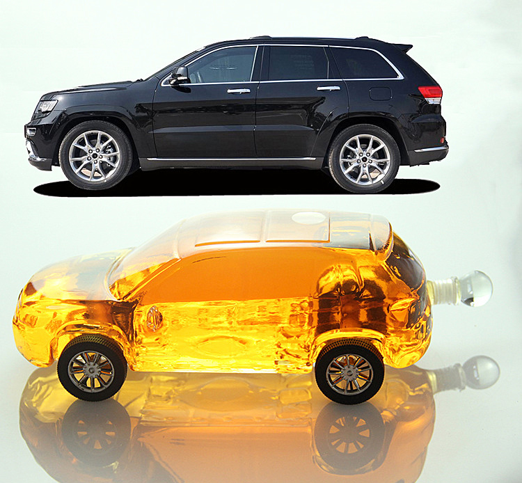 car-shaped-glass-whisky-bottle.jpg