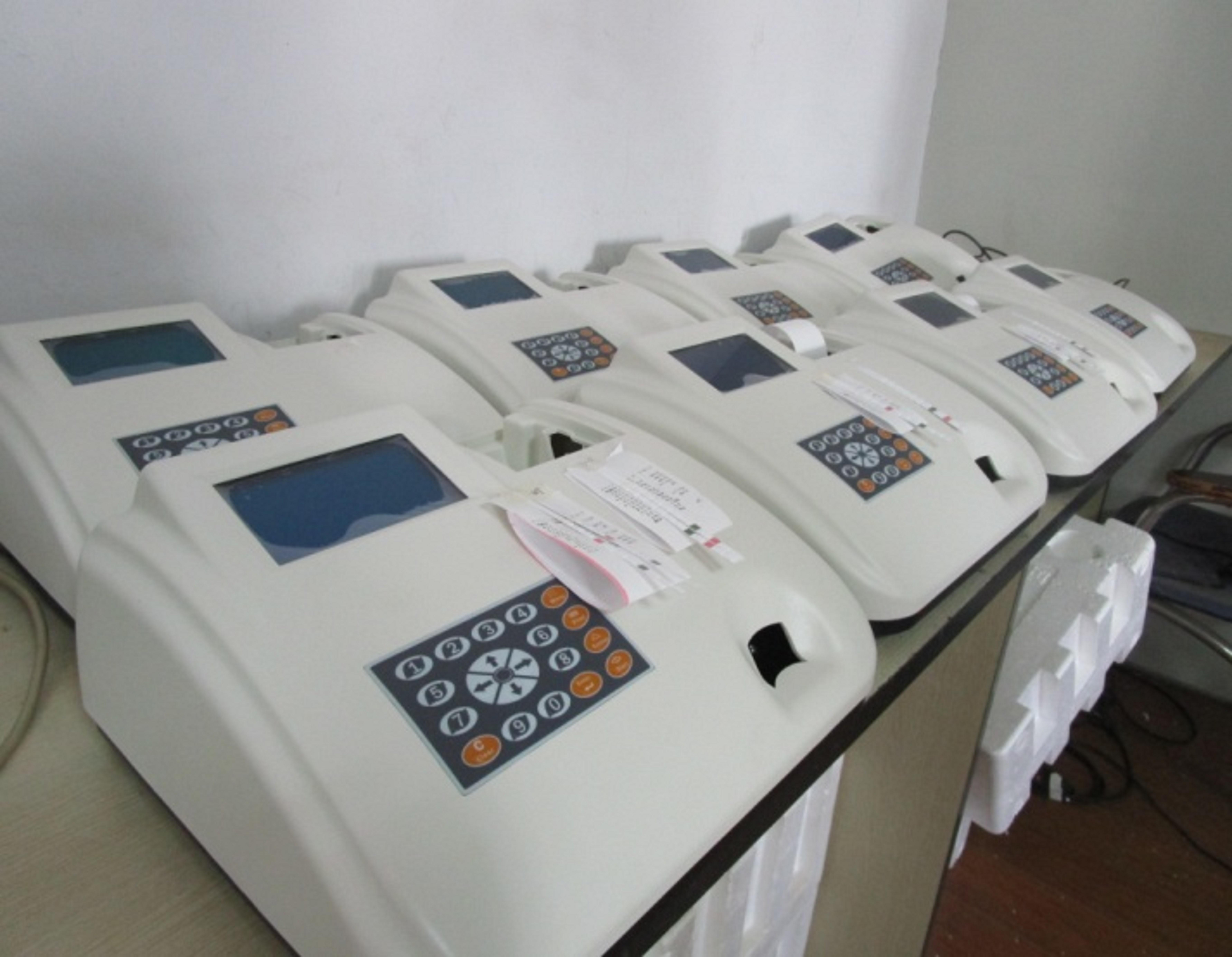 Hospital Clinical Semi-automatic Urinalysis urine analyzer machine  W-200B