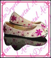 Aidocrystal women high quality peep toe white big size bridal shoe OEM/ODM pearl flower flats