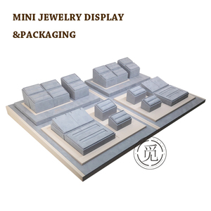Mini brand wood rings jewellery display stand sets for deluxe fashion jewellry