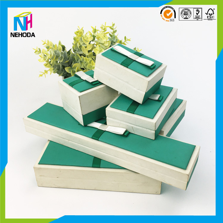 Factory price Direct Manufacturer durable case A bow decorated wooden box