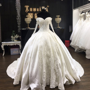 Custom made plus size white long sleeve crystal lace applique bridal gowns lace bride dress luxury African wedding dress 2019