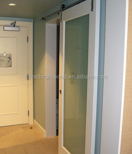 USA Hilton Hotel White Primed Interior Sliding Barn Doors for Hotel Bathroom