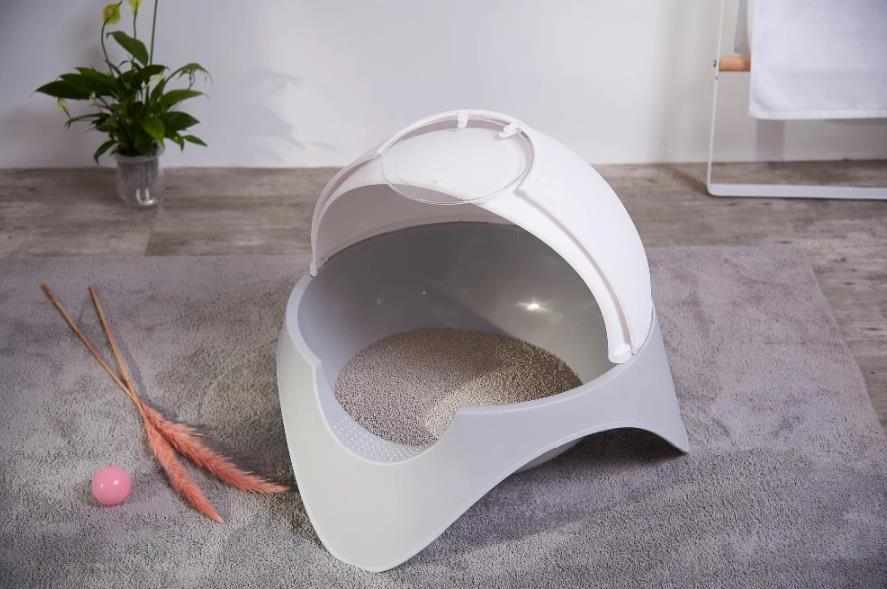 Fashionable New Design space capsule style cat litter box enclosure Cat Litter Box