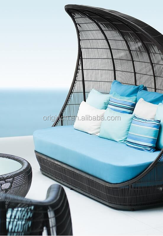 Ancient Reed Boat Design Wicker Cocoon Shaped Day Bed With