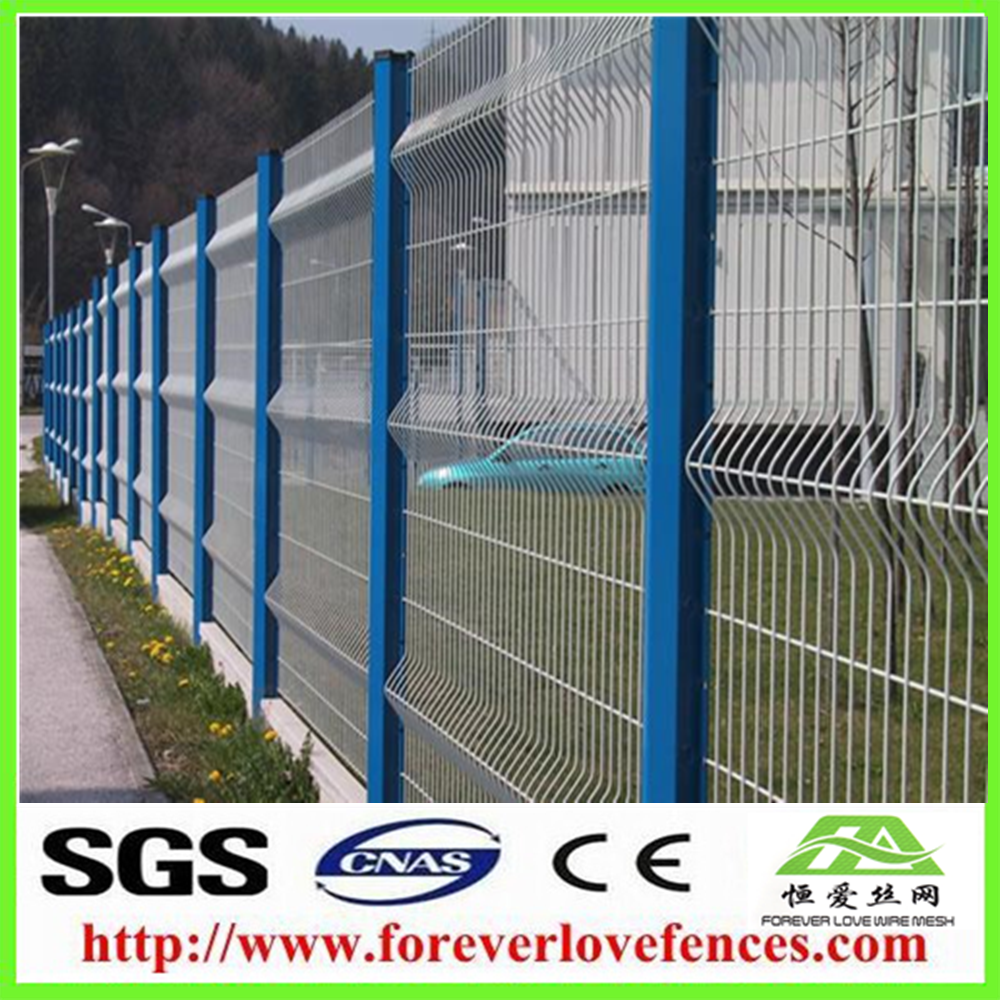PVC Coated Welded Metal Wire Mesh Fence garden fencing ideas With Triangle Bends