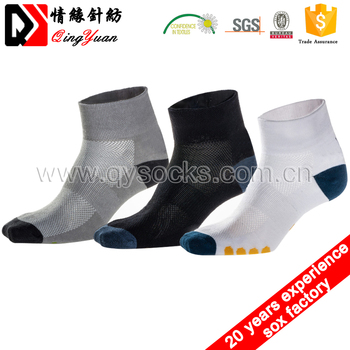 Combed Cotton Ankle Style Sport Socks Custom Cushion Bottom Men Cotton Colored Ankle Socks