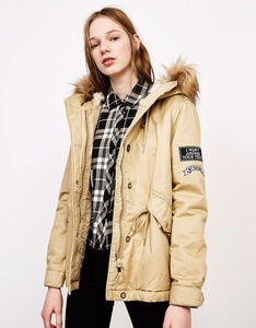 Hot selling OEM service Autumn popular warm denim zip up beige women fur parka