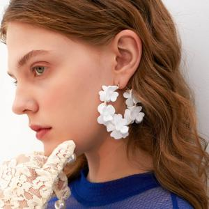 Kaimei wholesale women brands new fashion korea exaggerated big round hoop fabric white flower shaped earrings for women