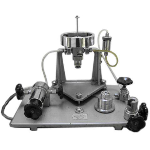 pressure gauge calibration vacuum dead weight tester