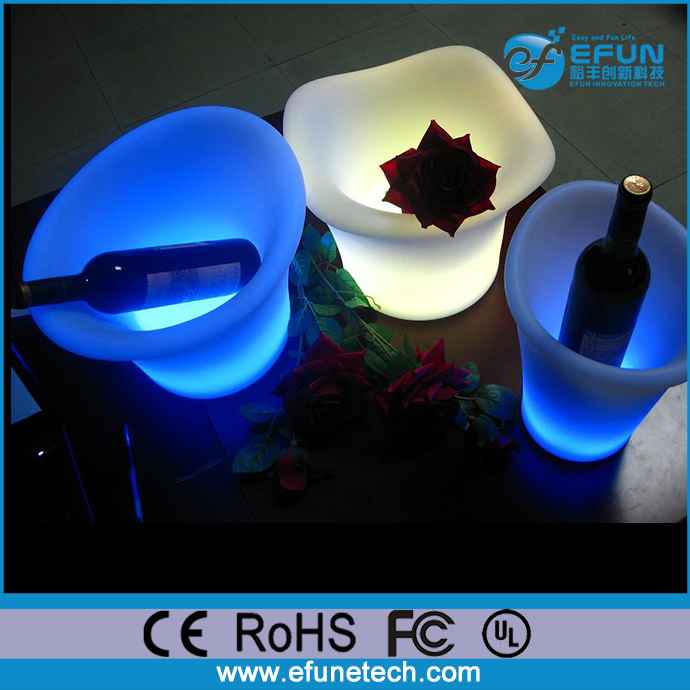 pe material illuminated rgb color changing solar lighted planters and flower pots