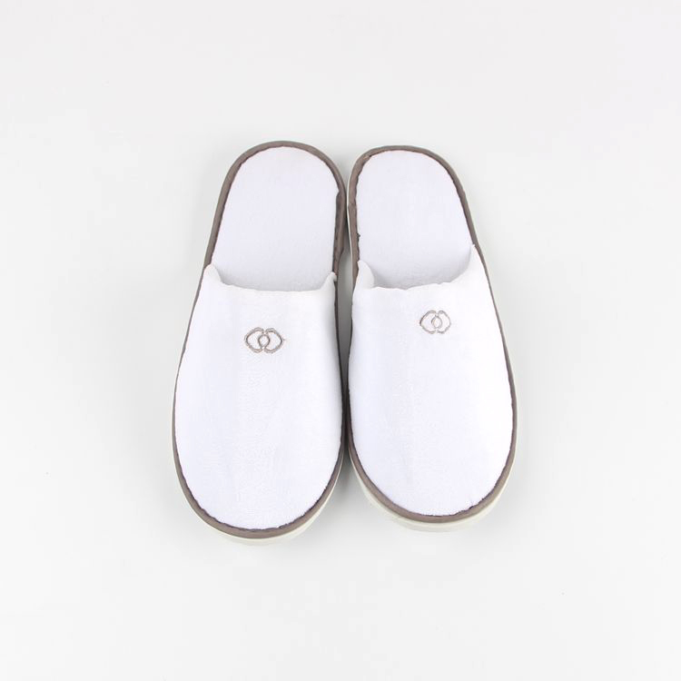 820d6da4e13b4 China Standard Slippers