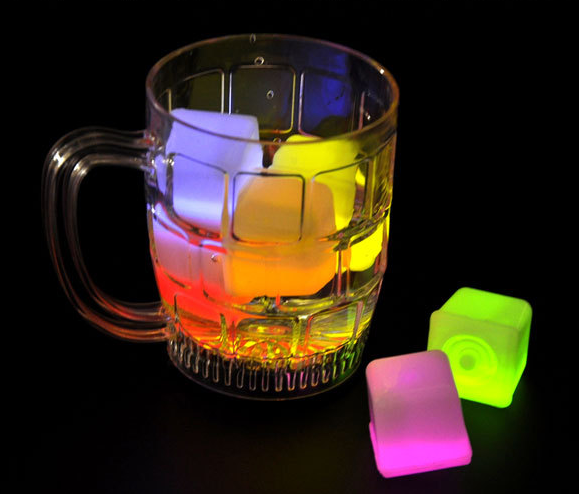 12 Wisedeal Food Grade Plastic Reusable Fake Decorative LED Glow Light Up Ice Cubes