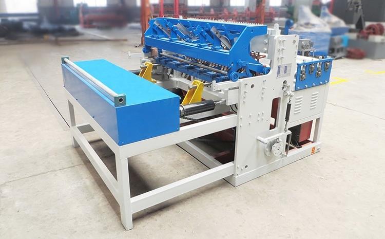 Fully automatic welder wiremesh machine