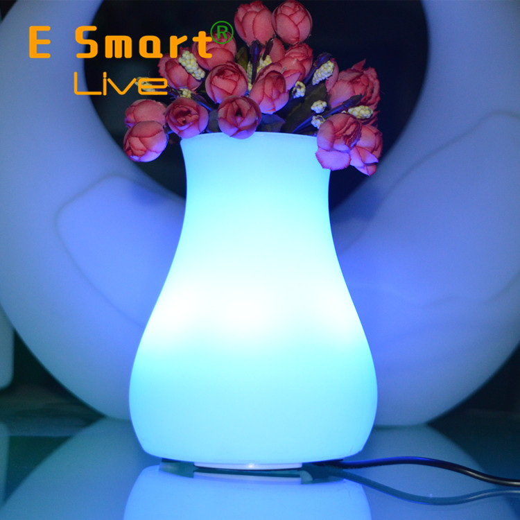 Portable Wireless Mini Outdoor touch sensor led table lamp with mini speaker with fm radio