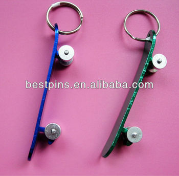zinc aluminum metal skateboard keychain with various color