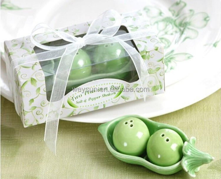 wedding favors and gifts Two Peas in a Pod Ceramic Salt and Pepper Shakers