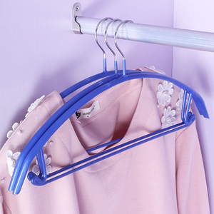 2018 high quality plastic coated plate dry cleaning hangers space saving hangers wholesale for small collar