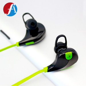 2018 Oem In-Ear Sport Fluorescent Earphone With Mic