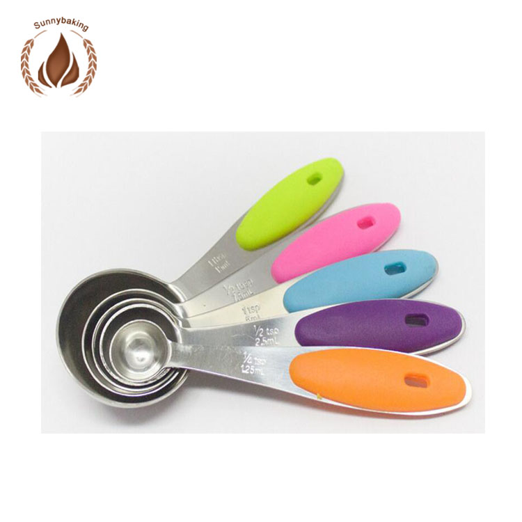 Creative kitchen gadget Stainless steel ladle The silicone handle measuring spoon for cake decorating supplies