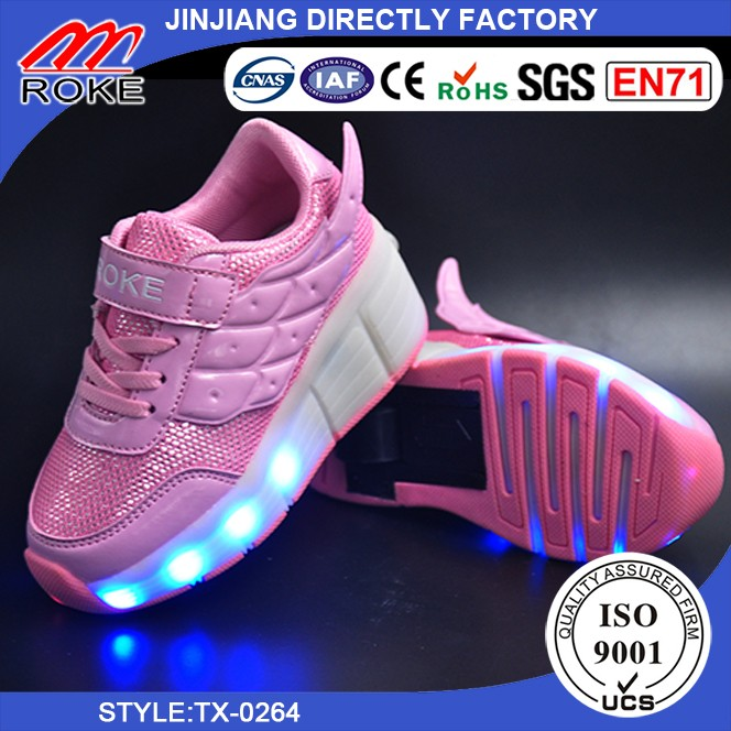 Wholesale LED Light Up Wheel Shoes Retractable Roller Skate Sneakers Shoes