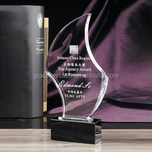 Crystal etched customized sports glory award trophy