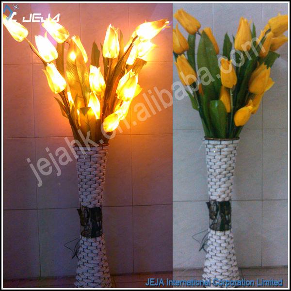 https://sc01.alicdn.com/kf/HTB13CO9MVXXXXXKaXXXq6xXFXXXX/110CM-Decorative-Artificial-Flower-Lily-Branch.jpg