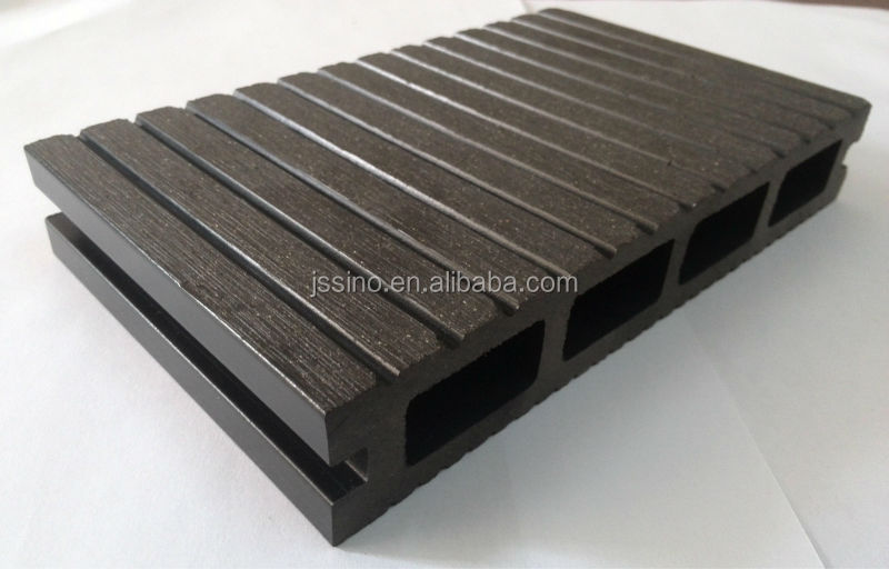 Waterproof wood plastic composite decking board cheap for Cheap composite decking