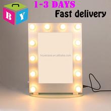 Promozione hollywood specchio con le lampadine shopping - Specchio con lampade intorno ...