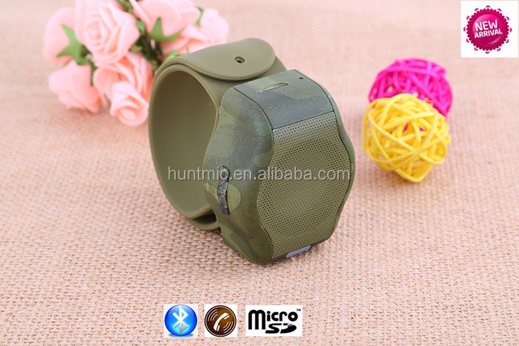 2014 Innovative Wristband Wearable Bluetooth Speaker with handsfree mic and micro sd/tf slot,best for sports,christmas gifts