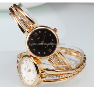 Factory Wholesale Geneva Luxury Rome scale Fashion lady watch charm China supply