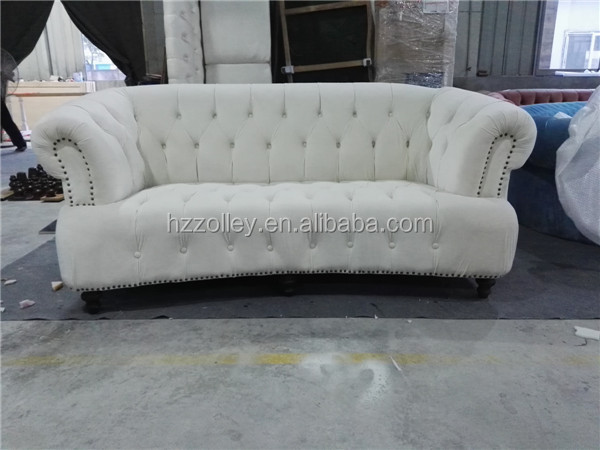 Royal classic chesterfield button tufted living room for Sofa royal classic