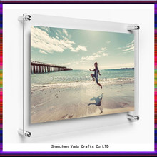 Perspex photo frame wall mout style for picture display in home shops and museum